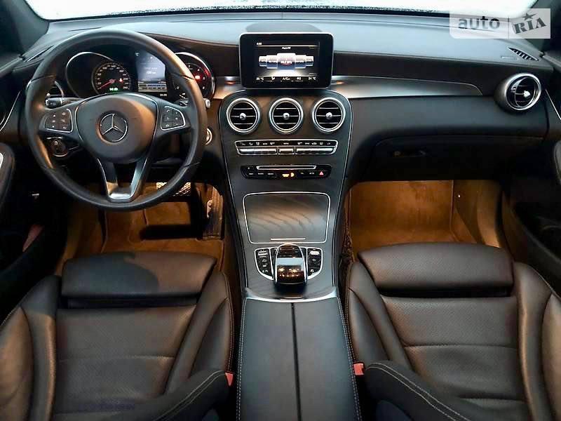 салон Mercedes